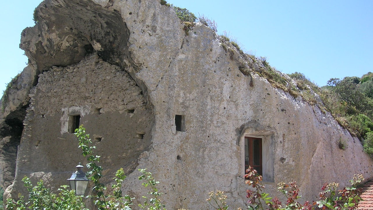 Domus de Janas à Sedini