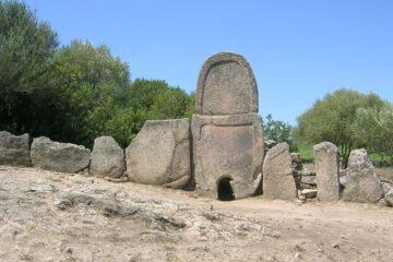 Arzachena Tomba Dei Giganti
