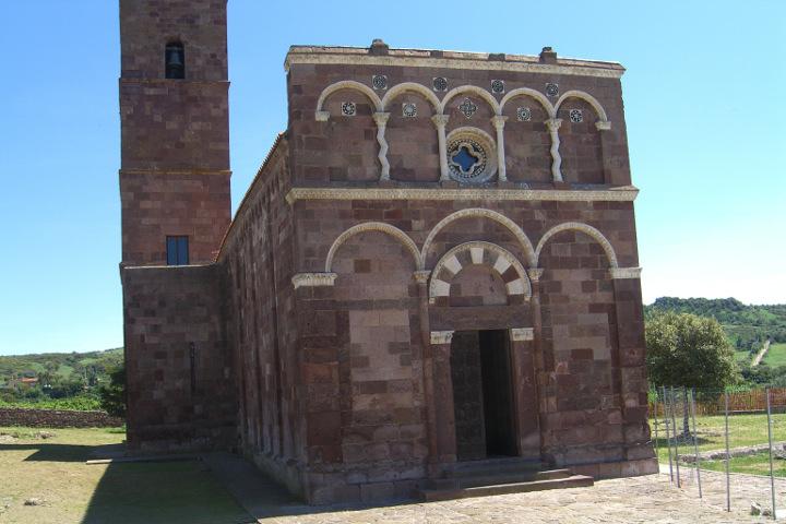 Facade of Nostra Signora di Tergu