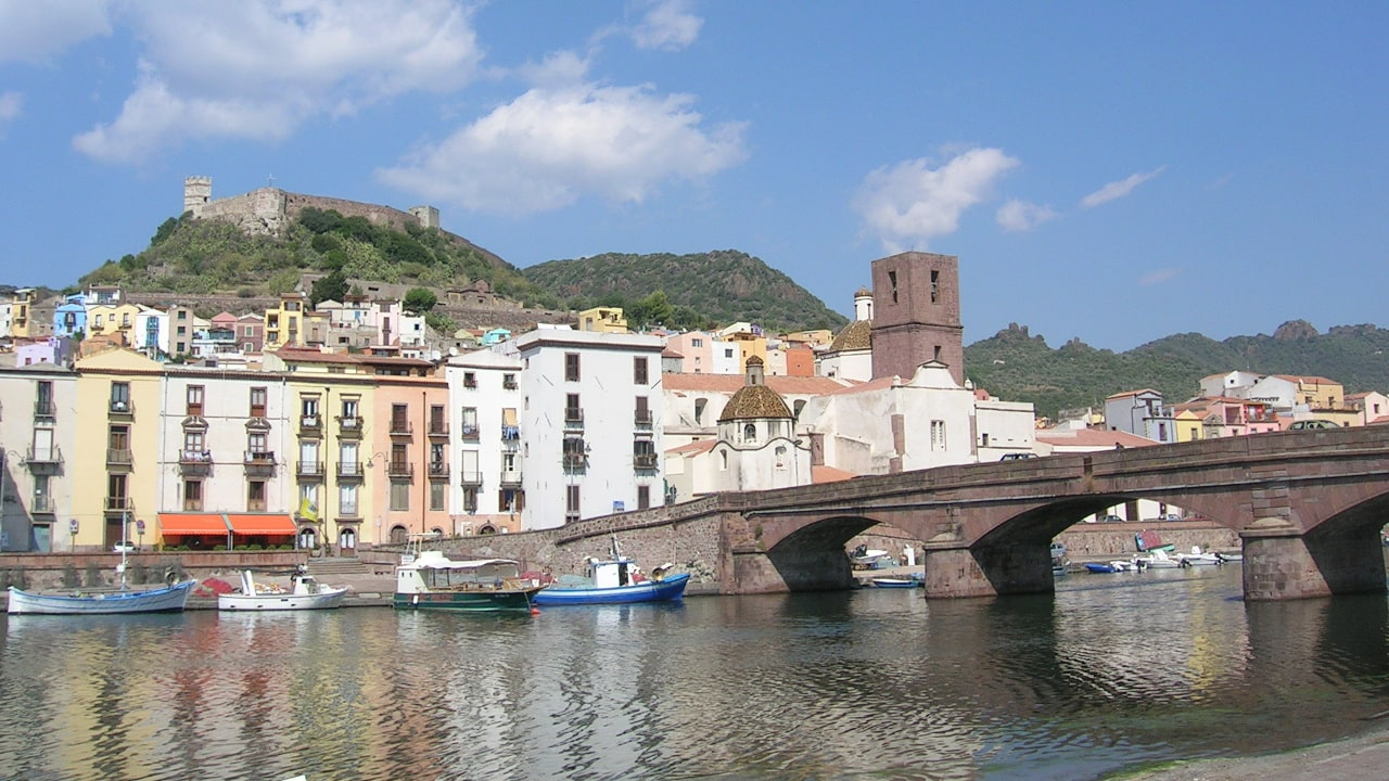 Bosa, along Temo river