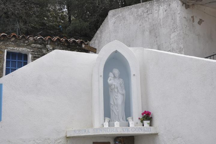 Statua di Nostra Signora di Gonare