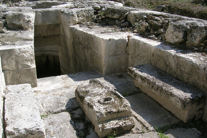 Perfugas, details of the sacred well