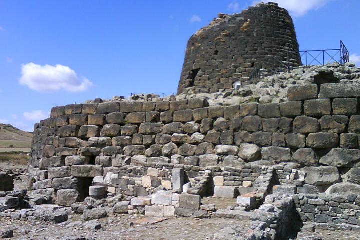 Il corpo principale e la torre