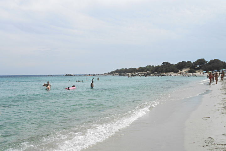 Beach of Cea