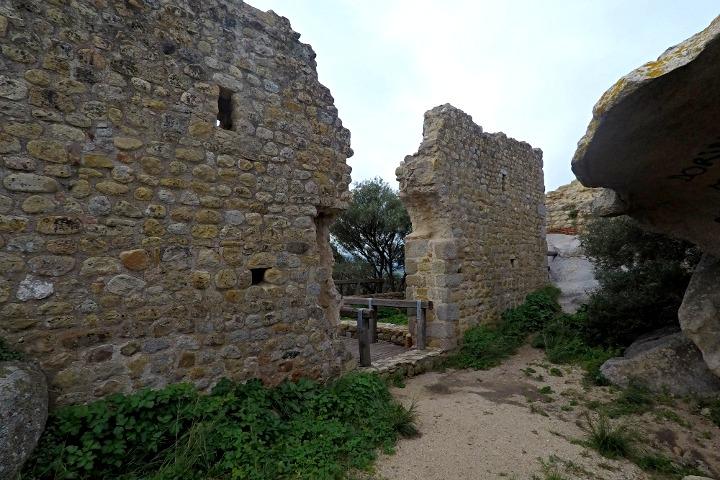 Passaggio tra le mura