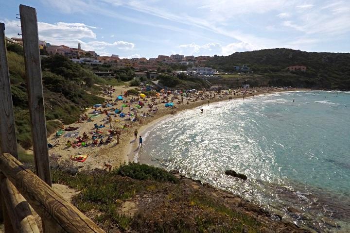 Rena Bianca, beach near the town