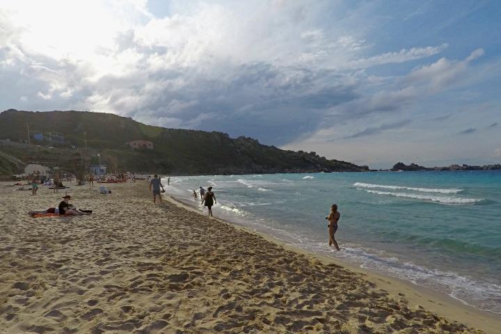 Sulla spiaggia di Rena Bianca