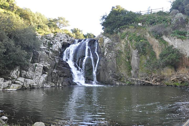 Triulintas waterfall and the lake