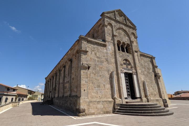 Basilica di Santa Giusta, facade